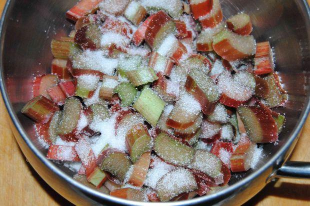Zakręcone cynamonowe rabarbarki
