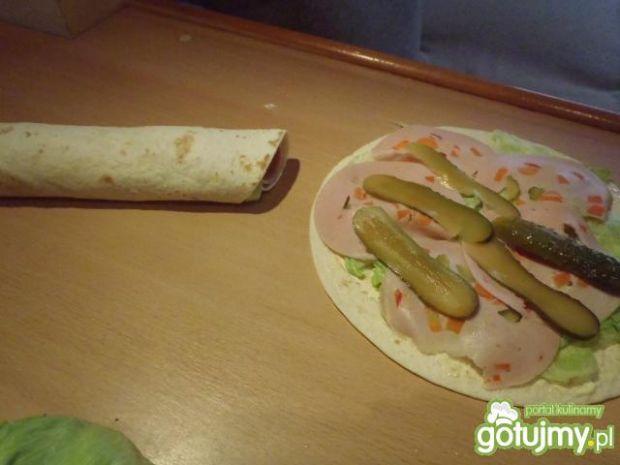 Zakręcone przekąski z tortilli