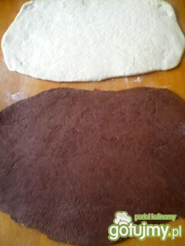 Zakręcony chlebek z kakao