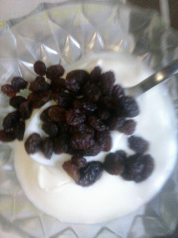 Zapiekane gruszki z mielonymi orzechami i miodem