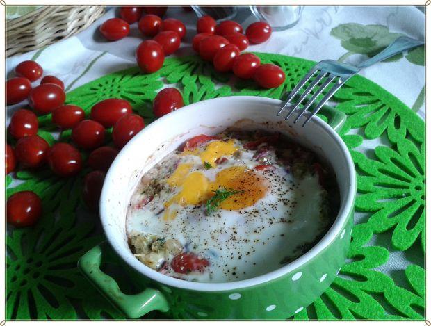 Zapiekane jajko z warzywami