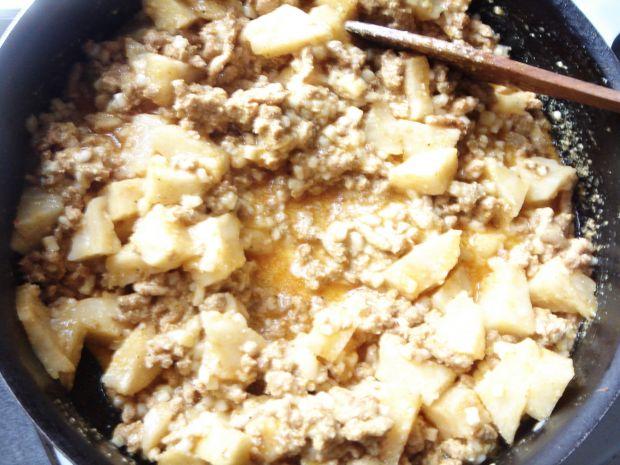 Zapiekane selery z mięsnym farszem i mozzarellą
