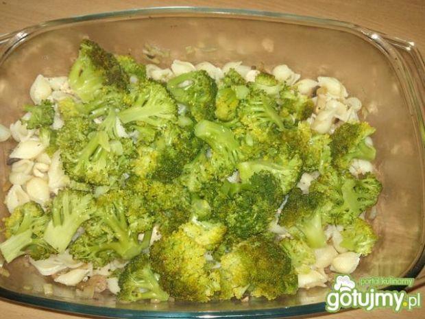 Zapiekanka makaronowa z brokułem 5