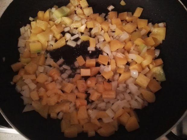 Zapiekanka makaronowa z chorizo