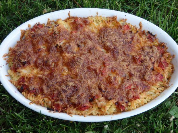 Zapiekanka makaronowa z kurczakiem i pomidorami