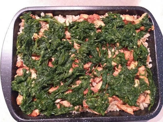 Zapiekanka makaronowa z kurczakiem i szpinakiem