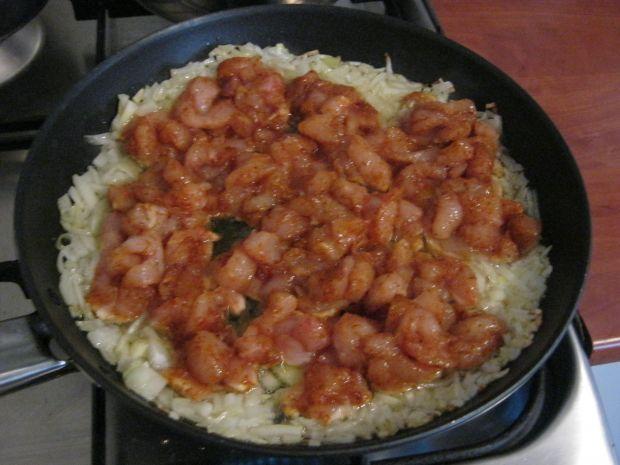 Zapiekanka ryżowa z kurczakiem, szynką i brokułem