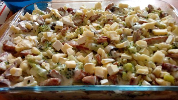 Zapiekanka z brokułem i kiełbasą