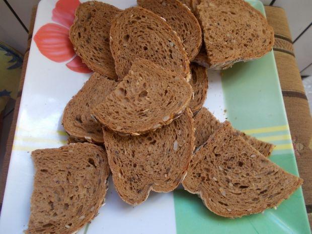 Zapiekanka z czerstwego chleba
