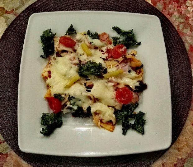 Zapiekanka z fasolką, jarmużem i pomidorami