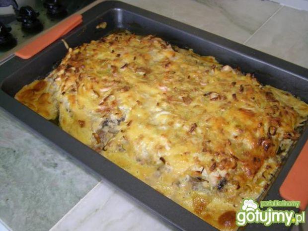 Zapiekanka z kurczaka  w sosie cebulowym