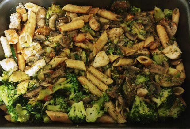 Zapiekanka z kurczakiem, brokułami i pieczarkami