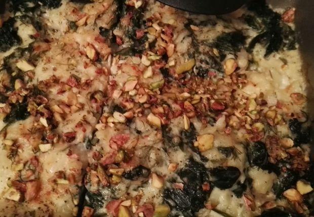 Zapiekanka z łososia pod pistacjową pierzynką