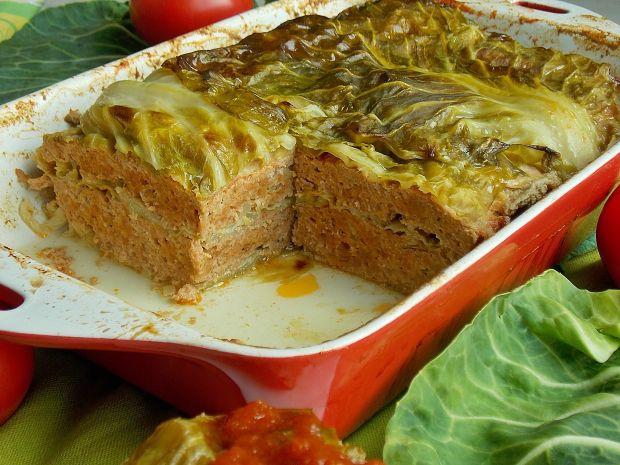 Zapiekanka z młodej kapusty i mięsa mielonego