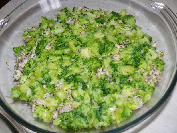 Zapiekanka z młodych ziemniaków z brokułem