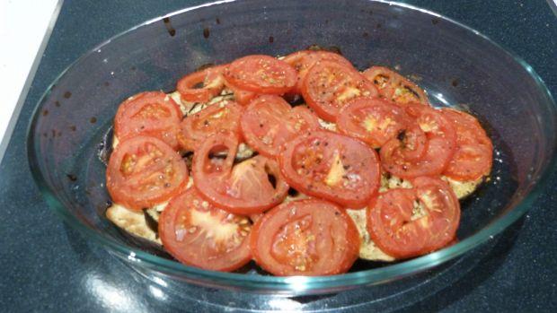 Zapiekanka z pomidorami, bakłażanem i kozim serem