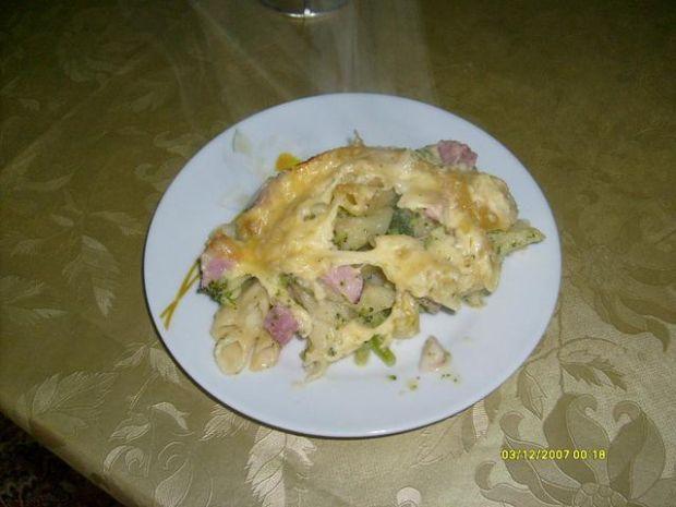 Zapiekanka z serem i brokułami