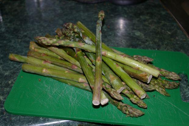 Zapiekanka ze szparagami, dynią i orzeszkami