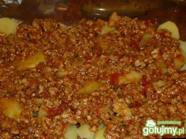 Zapiekanka ziemniaczana z sosem bolognes
