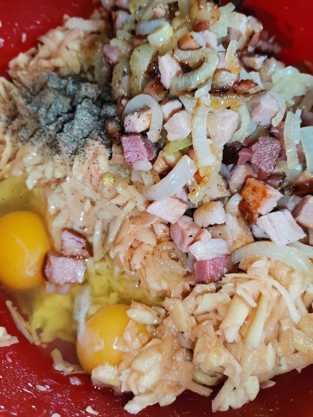 Zapiekanka ziemniaczana z żółtym serem