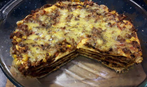 Zapiekany tort tortillowy