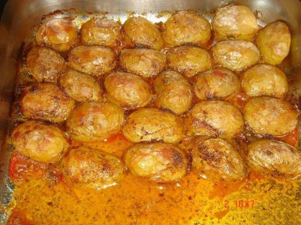 Zapiekany ziemniak w pomidorach