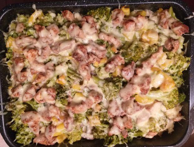 Zapienka makaronowa z kurczakiem i warzywami