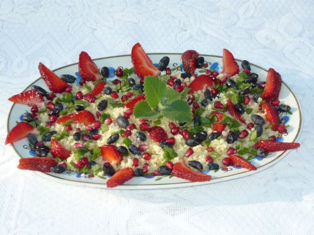 Zdrowa sałatka z kaszą kuskus