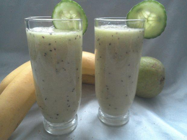 Zdrowy koktajl warzywno-owocowy
