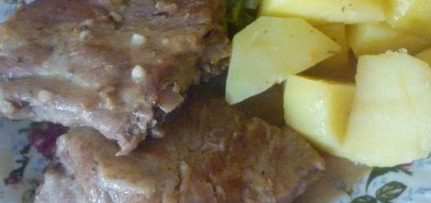 Żeberka wieprzowe w sosie