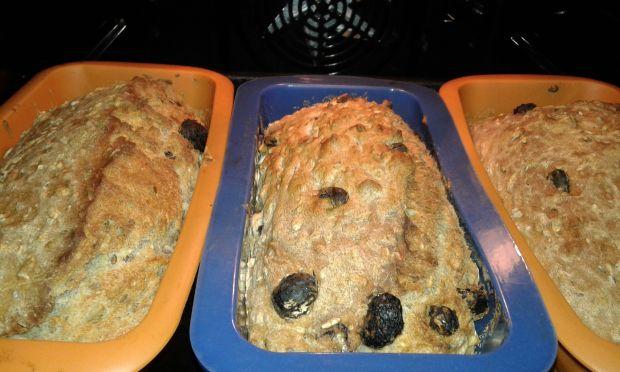 Ziarnisty chlebek z rodzynkami posmakiem sezamu