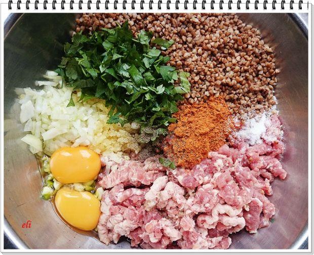 Zielona papryka Eli faszerowana  mięsem z kaszą