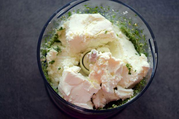 Zielona pasta twarogowa z ogórkiem