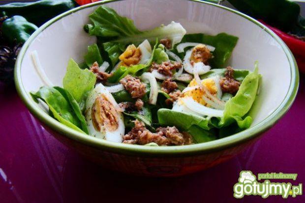 Zielona sałata z jajkiem