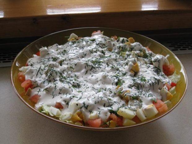 Zielona sałata z pomidorami