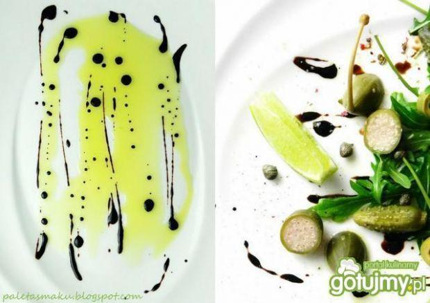 Zielona sałatka z wędzonym łososiem