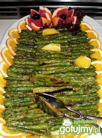 Zielone szparagi z pomarańczową nutą