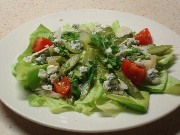 Zielone szparagi z serami