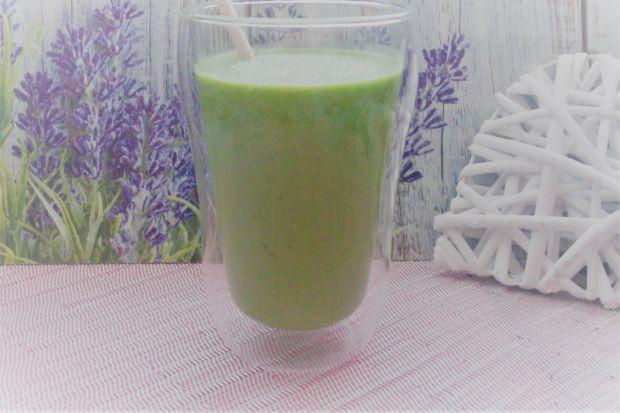 Zielony koktajl śniadaniowy