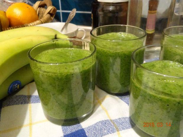Zielony koktajl z cytrusami