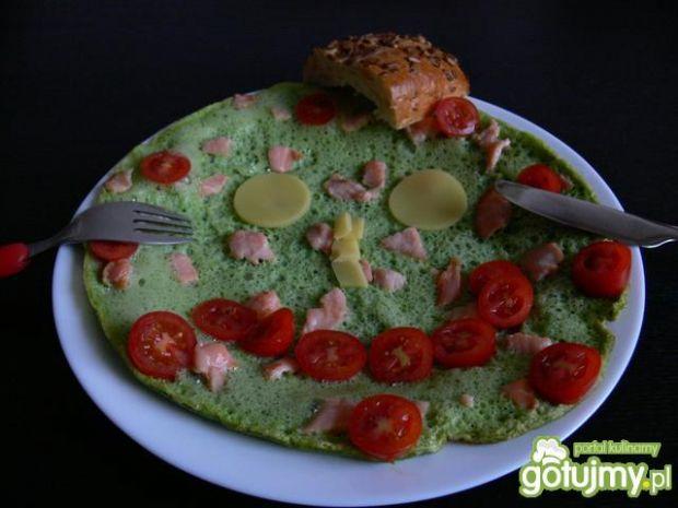 Zielony omlet z rukolą