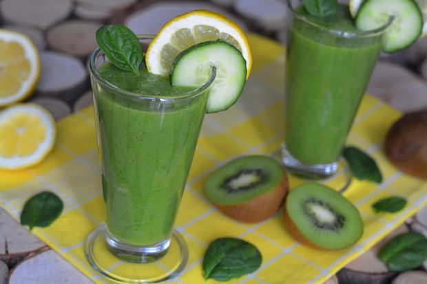 Zielony owocowo - warzywny koktajl