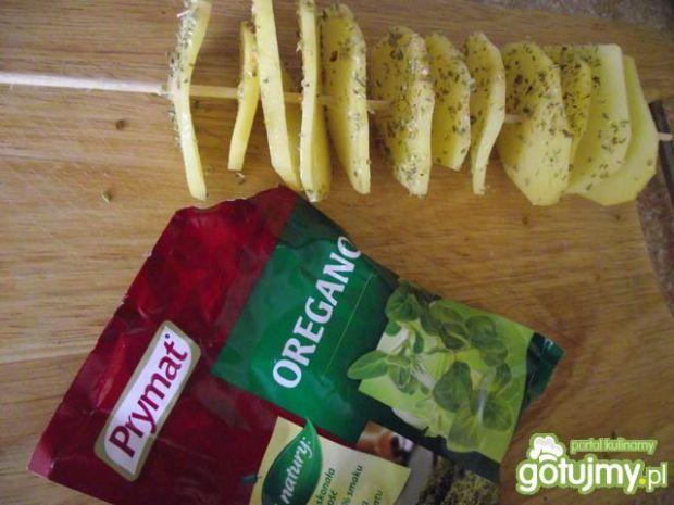 Ziemniaczane szaszłyki z nutą oregano