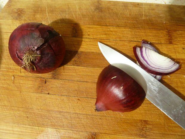 Ziemniaczany krem z ciecierzycą i cebulą