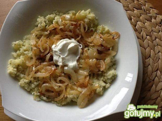 ziemniaczki z cebulą i śmietaną