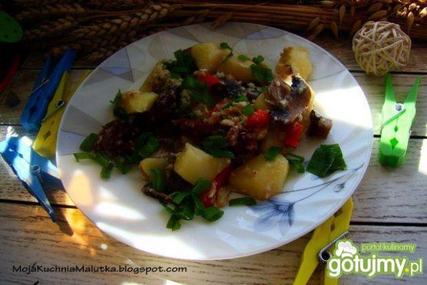 Ziemniaczki z suszonymi pomidorami