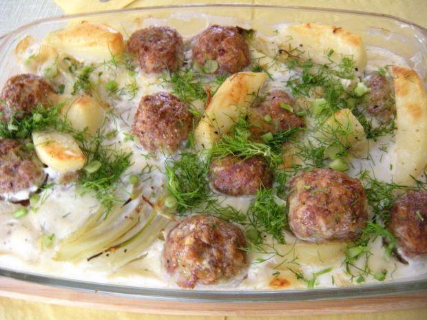 Ziemniaki i fenkuł zapiekane z mięsem i serem