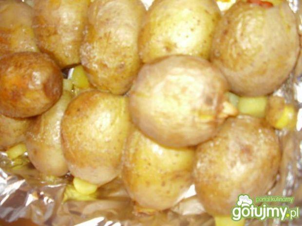 Ziemniaki nadziewane anchois