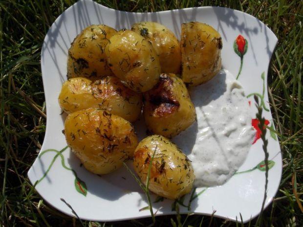 Ziemniaki z grilla z koperkiem i czosnkiem