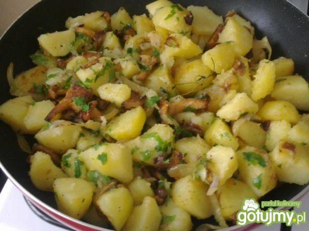 Ziemniaki z grzybkami  i jajkiem